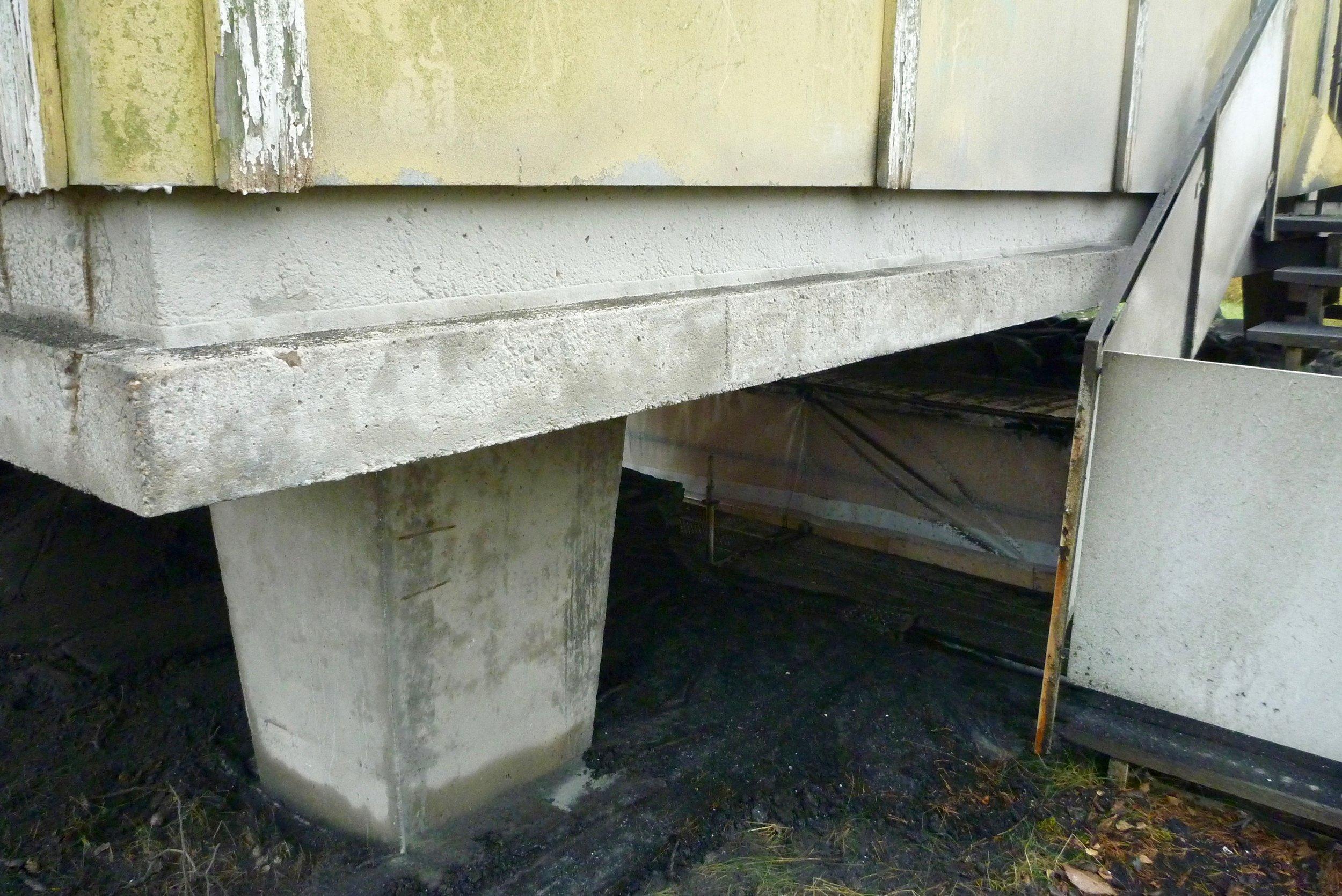 7 färgskicktet bortblästrat och den rena betongyta är frilagd.jpg