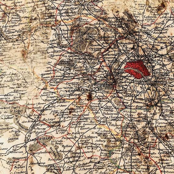 I spy...Versailles. And Paris too ♥️ A treasure map of all our favorite places 🇫🇷 Swipe to see more. Available only on Etsy // Click link in bio. . . #treasuremap #vintage #french #paris #versailles #mapoffrance #map_of_europe  #map #oldmap #vintagemap #passport