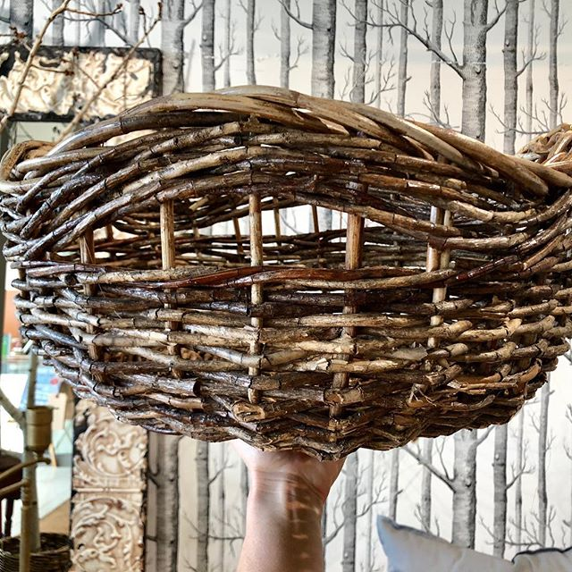 Who's ready for spring?! Baskets of flowers and branches, here we come!! These beauties are available at our @southdalecenter location- and you can always order over the phone! 💐 #spring #baskets #home #rustichome #modernrustic #bohovibe #rusticstorage