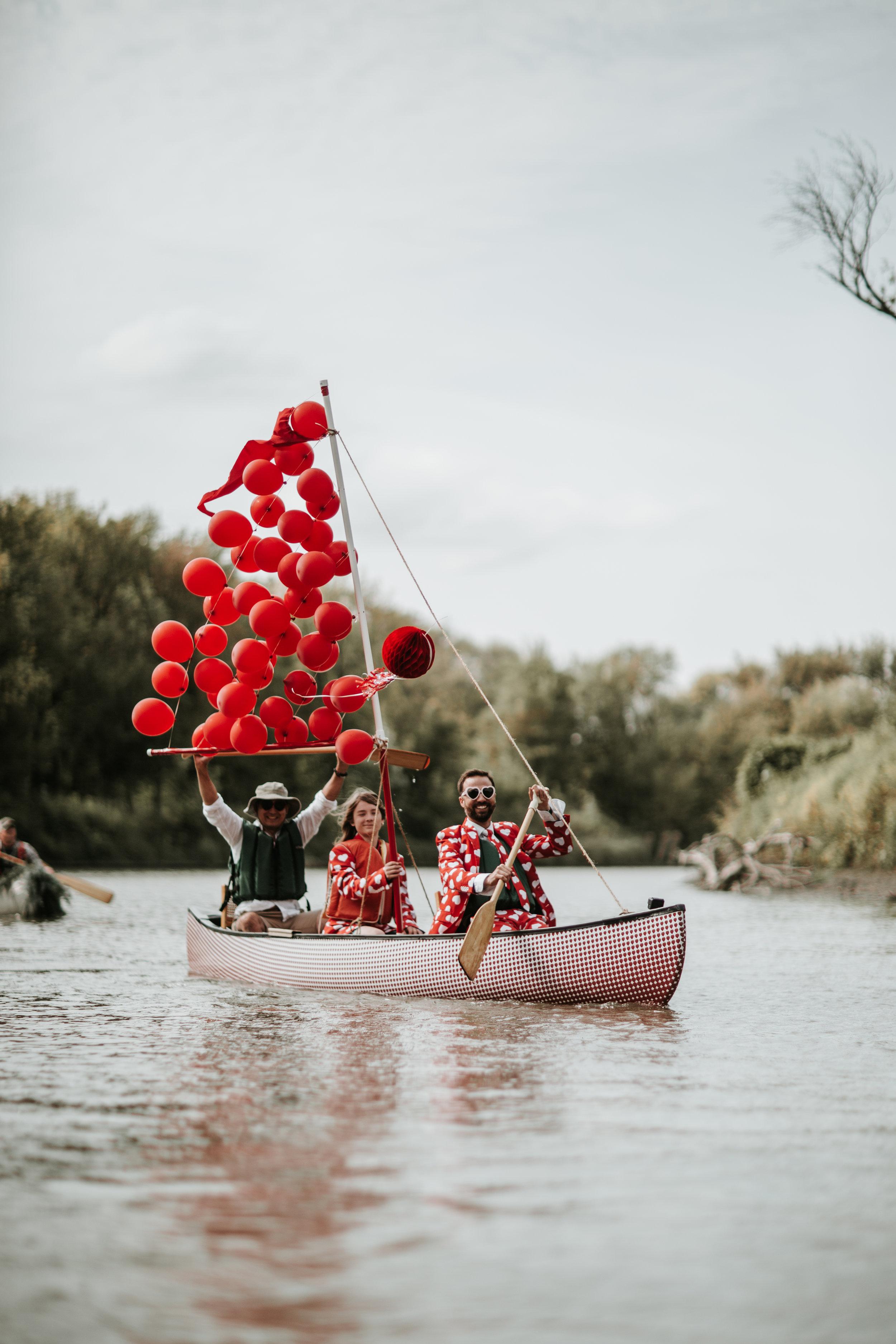 canoeparade-6170.jpg
