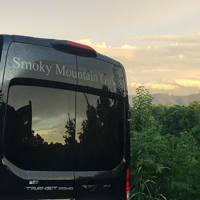 Smokies sunsets...! #smokymountains #gatlinburg #sevierville #beautyafterrain