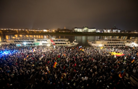 Thousands protest asylum policy in Dresden
