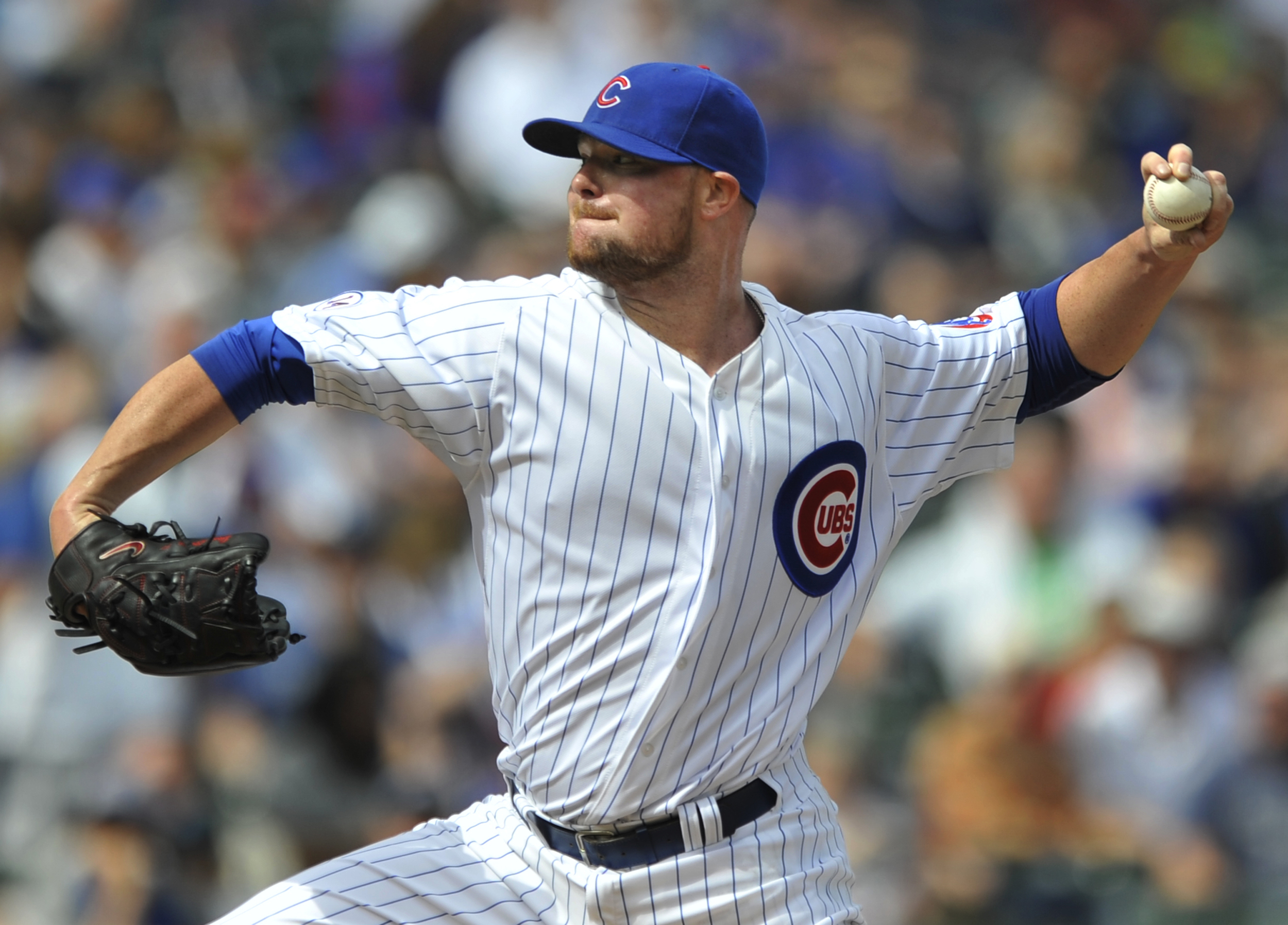 Chicago Cubs starter Jon Lester delivers a pitch during the first inning of a baseball game against the Pittsburgh Pirates Friday, Sept. 25, 2015 in Chicago. (Paul Beaty/AP)