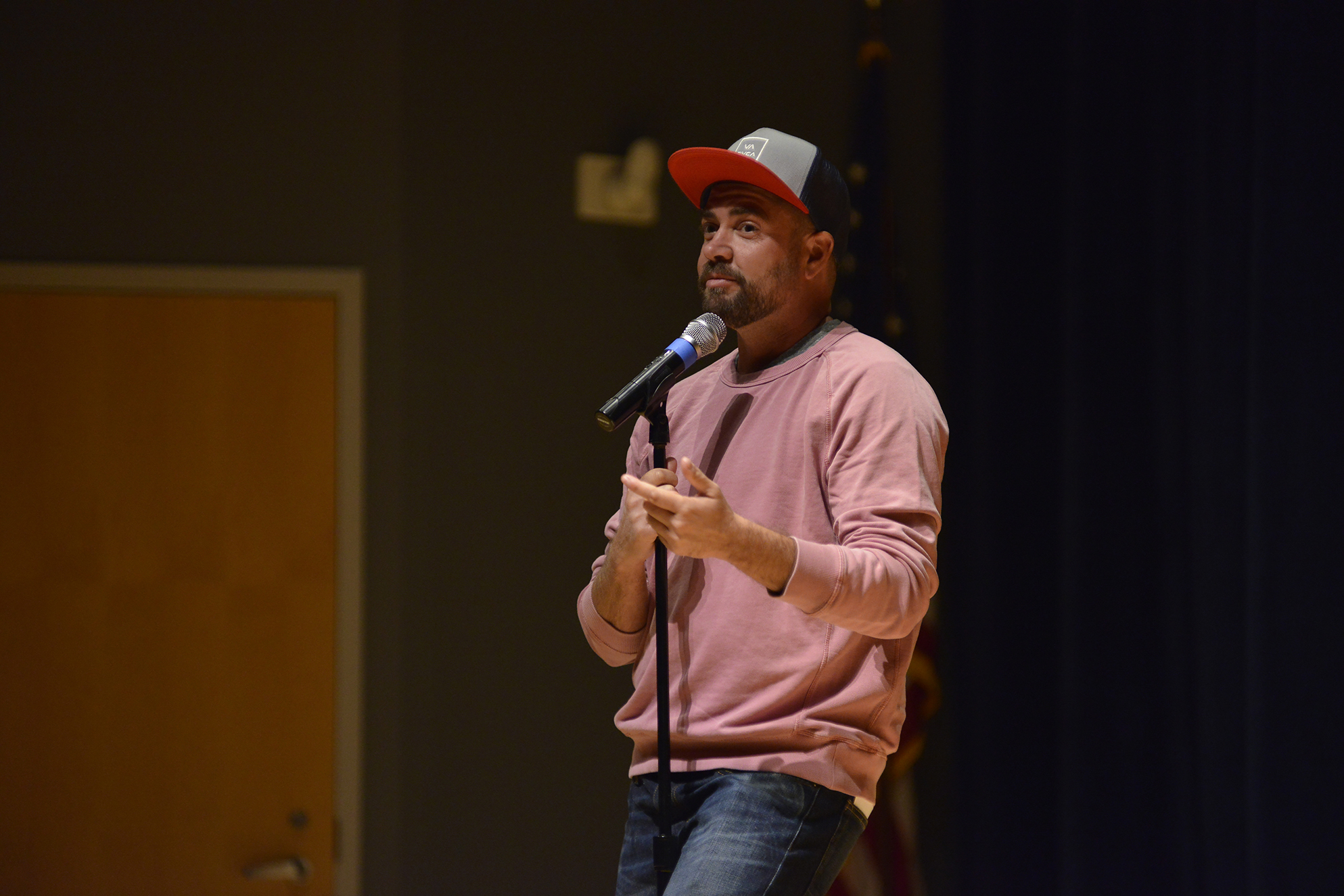 Comedian Ian Harvie is pictured during his performance at the Student Union Theater on Thursday, Oct. 8, 2015. (Jason Jiang/The Daily Campus)