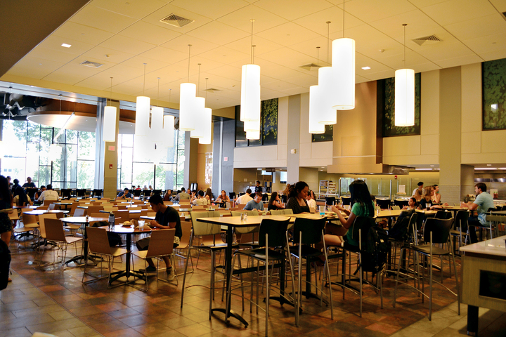 In this photo, the dining area in the Brien McMahon dining hall is pictured. (Bailey Wright/The Daily Campus)