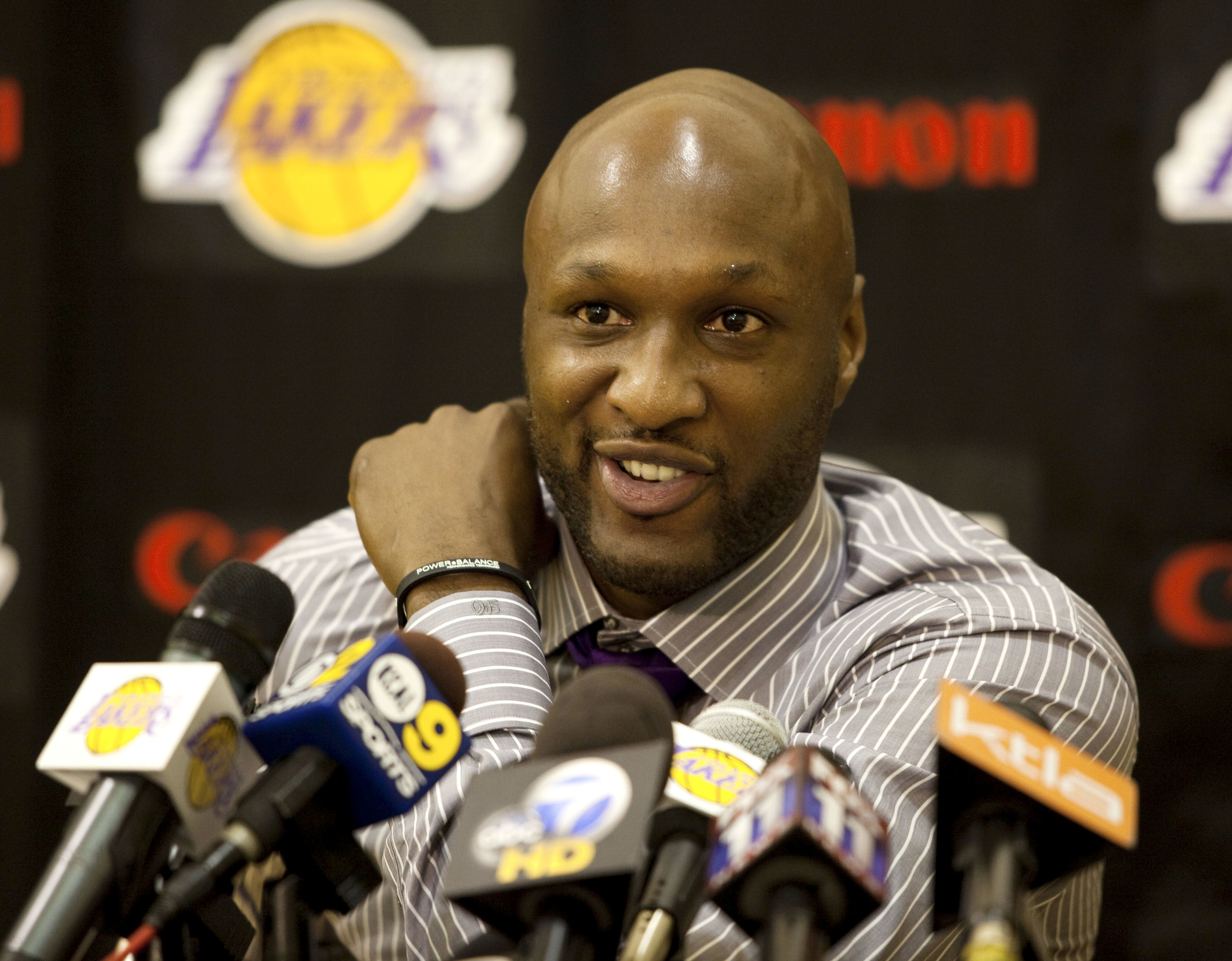 In this July 31, 2009, file photo, Los Angeles Lakers' Lamar Odom speaks to the media during a news conference after the Lakers signed Odom to a multi-year NBA basketball contract, in El Segundo, California. (Jeff Lewis, File/AP)