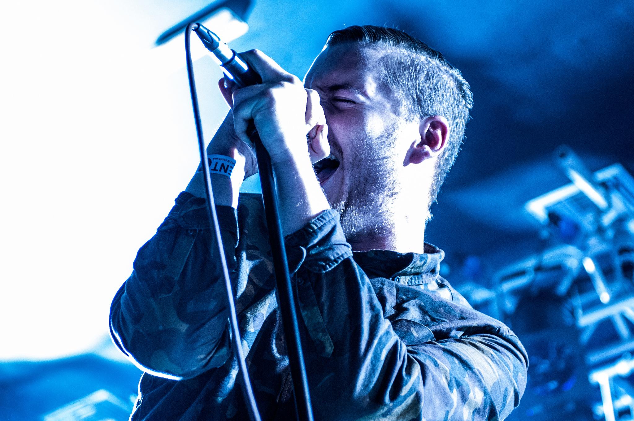 George Clarke of San Francisco-based blackgaze band Deafheaven performs on Aug. 17, 2015. (Jr Hunter/Flickr)