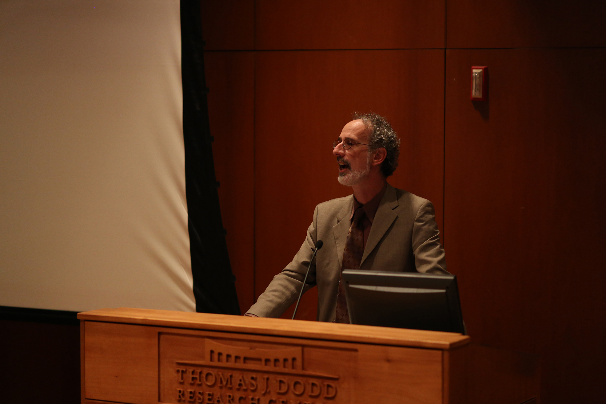 California Pacific Institute President Peter Gleick speaks during his lecture at the Thomas J. Dodd Center in Storrs, Connecticut on Tuesday, Oct. 20, 2015. Gleick discussed the importance of acknowledging the human right to water around the world and outlined the history of how water became a human rights issue. (Jackson Haigis/The Daily Campus)
