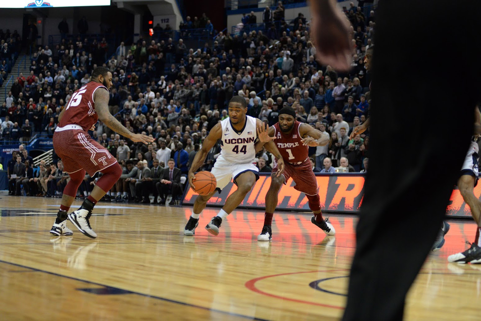 UConn guard Rodney Purvis attacks the basket during their loss to Temple. Purvis finished with 11 points. (Ashley Maher/The Daily Campus)