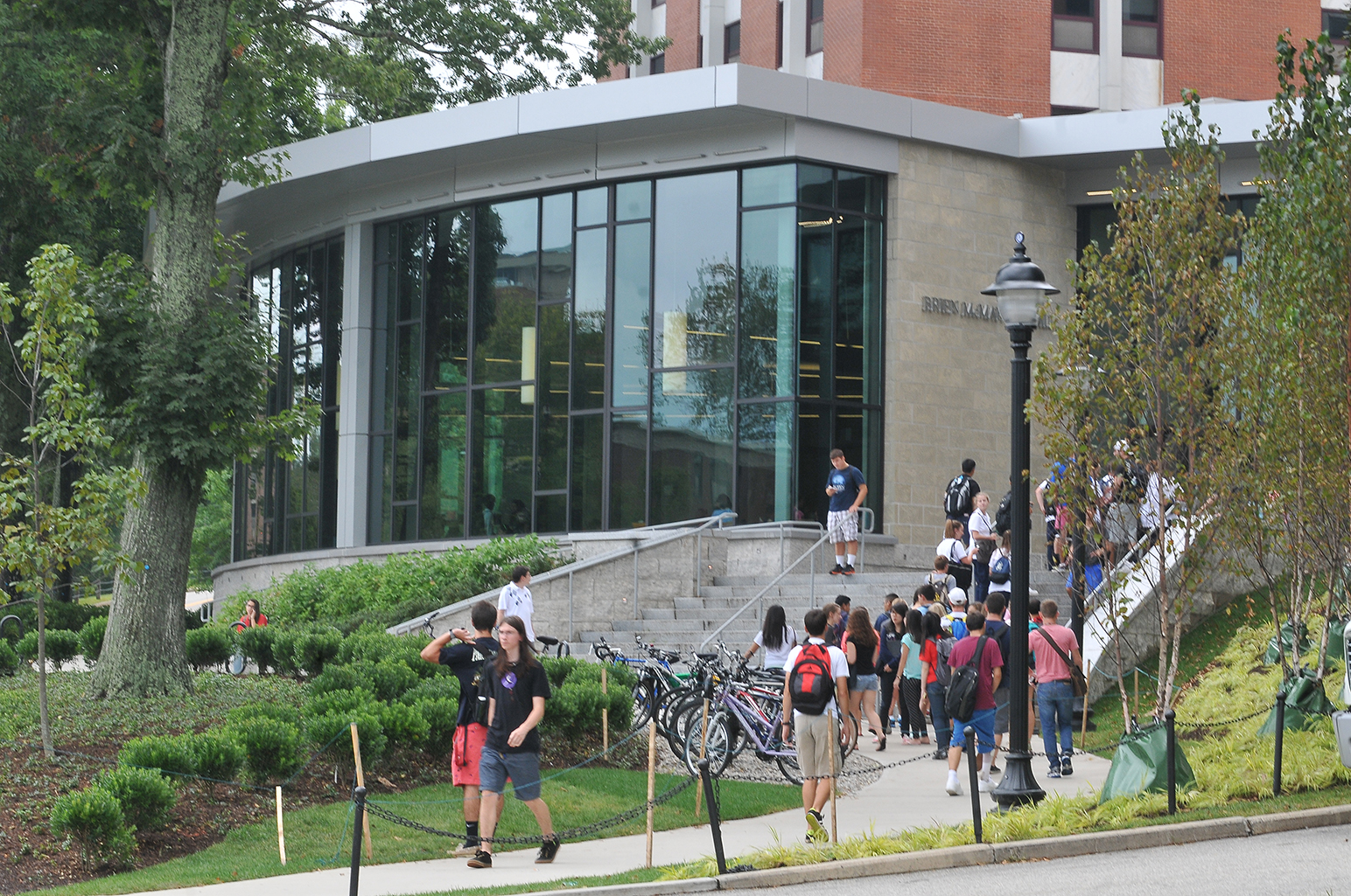 In this file photo, the exterior of McMahon Dining Hall is seen.Last December, the People for the Ethical Treatment of Animals (PETA) released their annual Vegan Report Card,awarding the University of Connecticut an 'A' rating for its vegan dining experience. (File Photo/The Daily Campus)