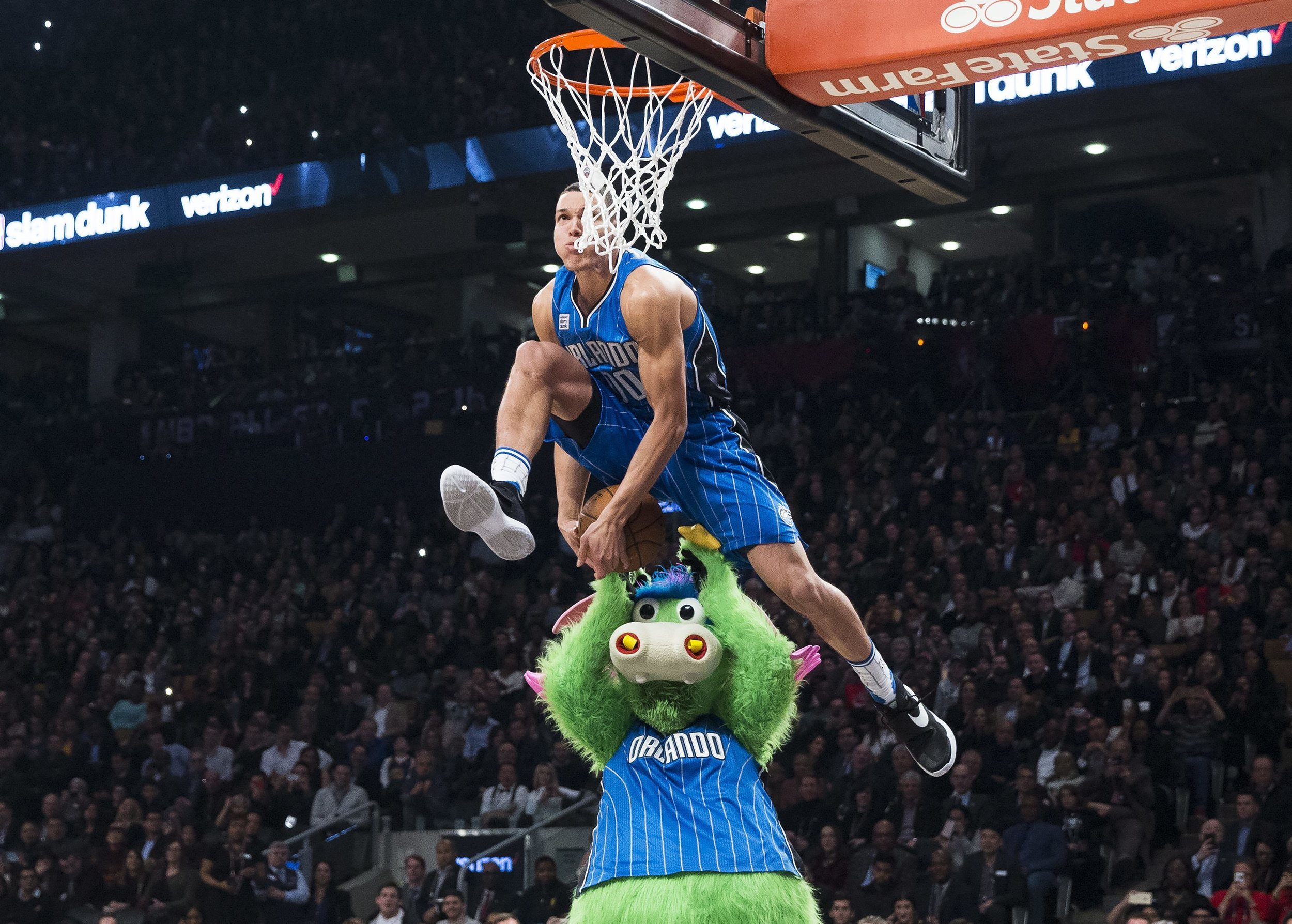 Orlando Magic forward Aaron Gordon slam dunks during the NBA all-star skills competition in Toronto on Saturday, Feb. 13, 2016. (Mark Blinch/The Canadian Press via AP)