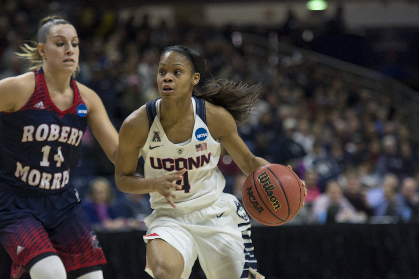 Moriah Jefferson drives to the basket during UConn's 101-49 victory over Robert Morris in the first round of the NCAA tournament at Gampel Pavilion on Saturday March 19, 2016. (Bailey Wright/The Daily Campus)