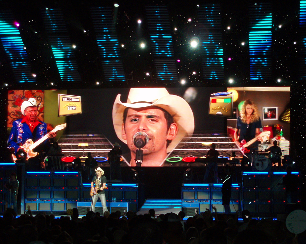 Brad Paisley, playing here at Cruzan Amphitheater in West Palm Beach, Florida,has announced that he is adding UConn as a stop on his national college tour. (Flickr/Timothy Wildey)