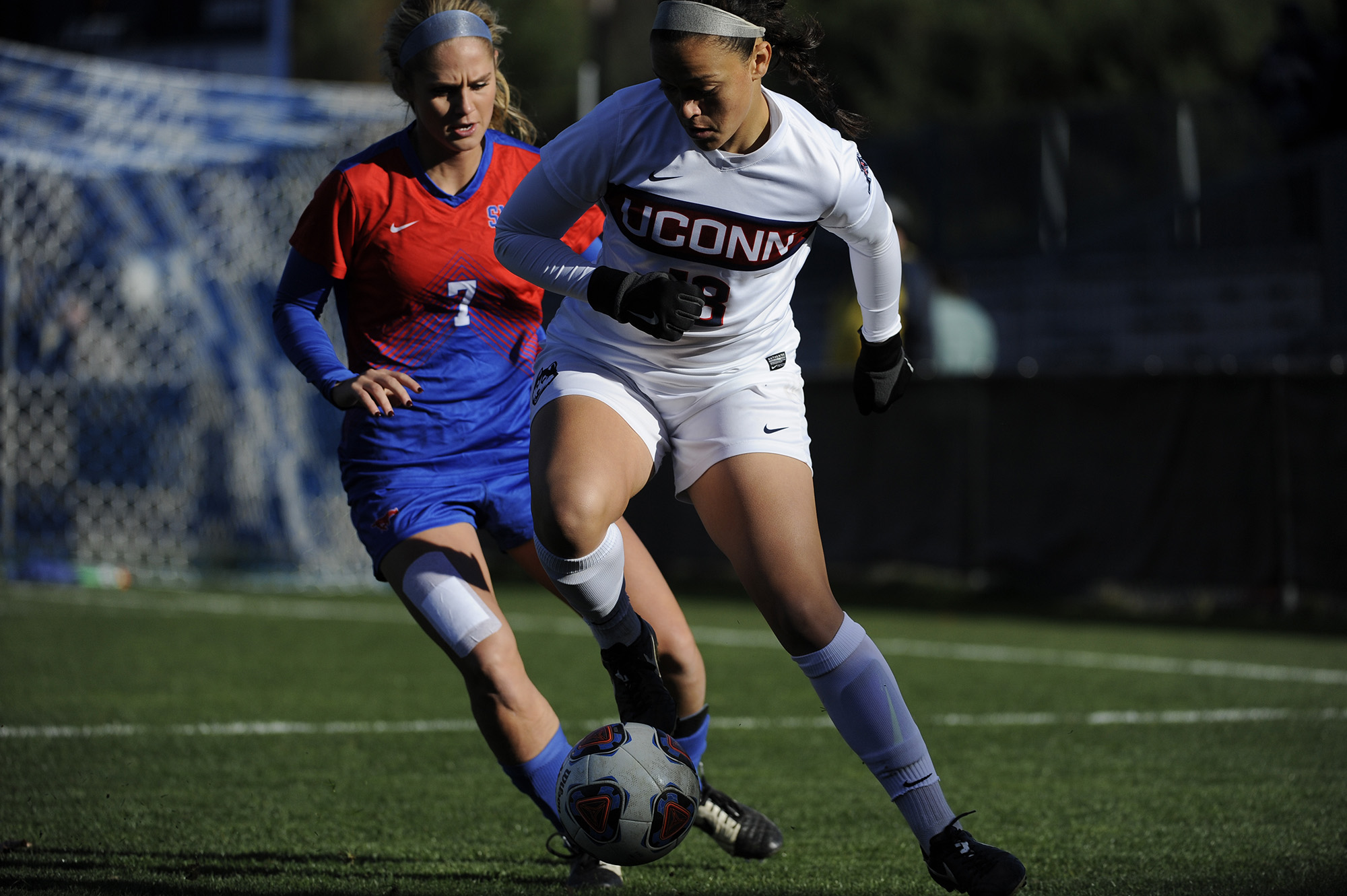 UConn senior Stephanie Ribeiro plays in the women's soccer championship final against SMU Nov 6, 2016. UConn won 4-2 and advanced to their next final game. Ribeiro has been listed as one of UConn's top performing athletes this fall by two of our writers. (Jason Jiang/ The Daily Campus)