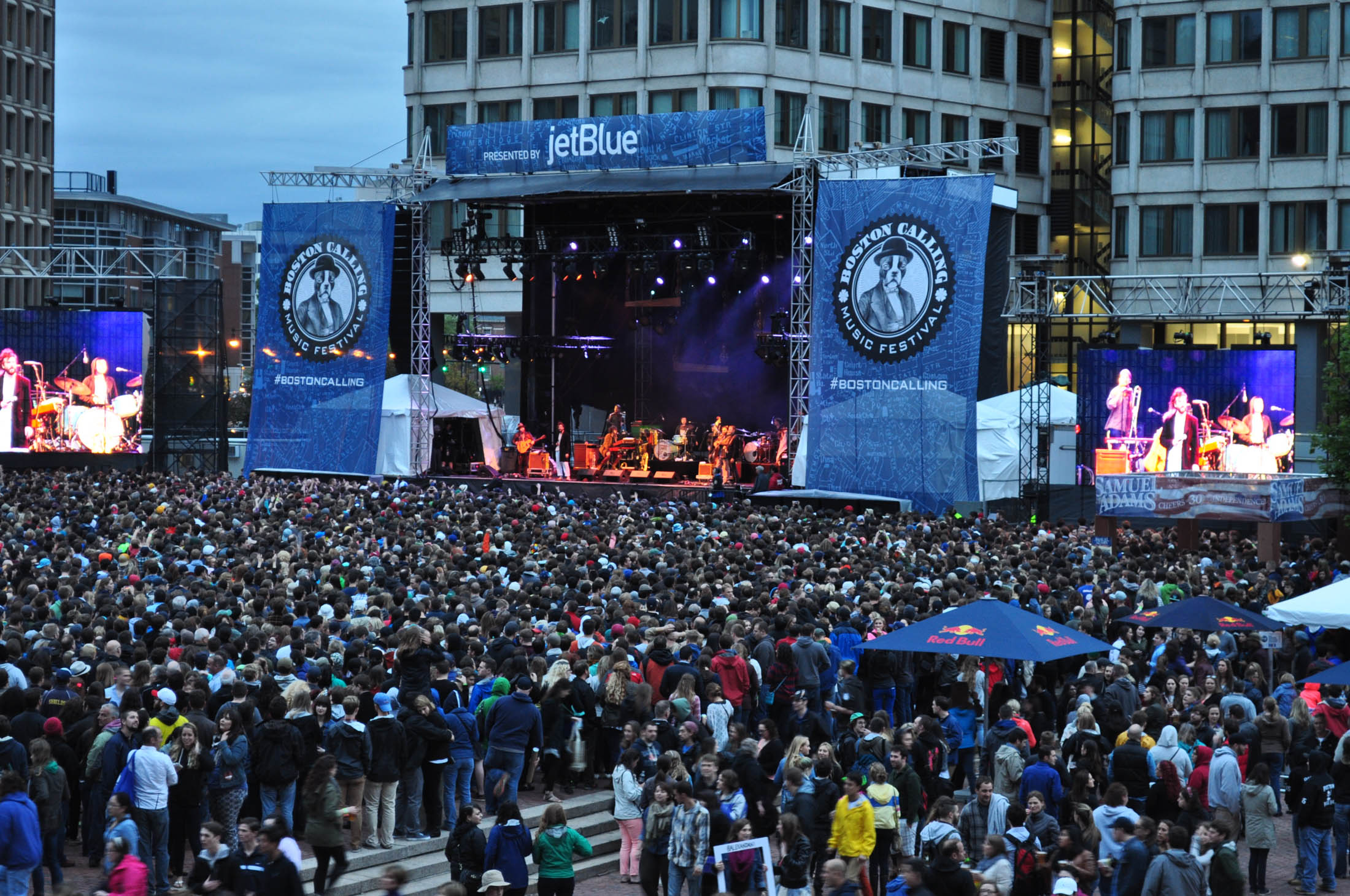 "Boston Calling is one of the premier summer festivals in the area featuring 45 bands across their three music stages along with admission to the festivals ""film experience"" programing. (Dave Levy/Flickr Creative Commons)"