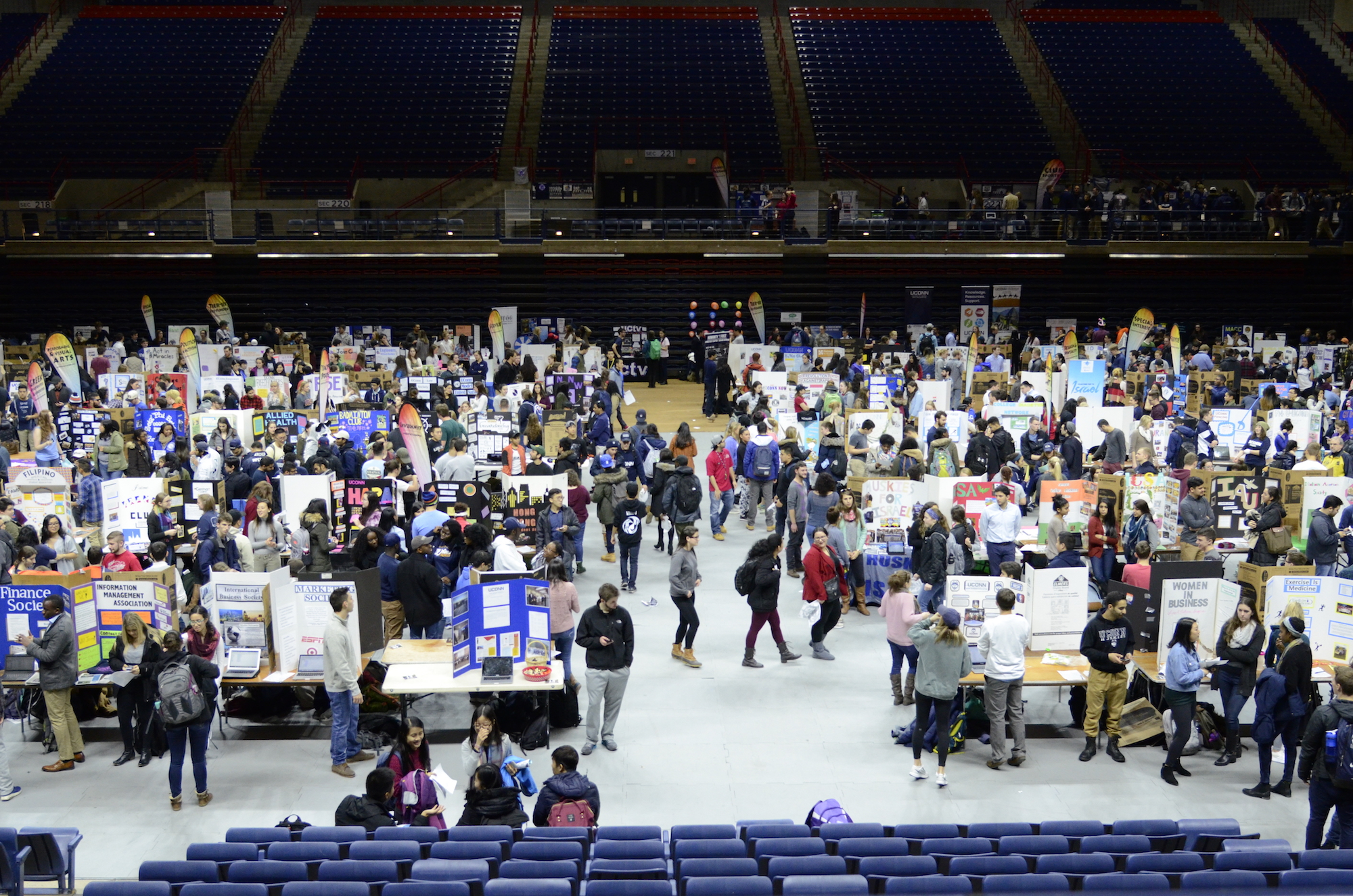 The spring semester Involvement Fair took place on Jan. 25, 2017. There are over 600 clubs and organizations for students to join at UConn. (Charlotte Lao/The Daily Campus)