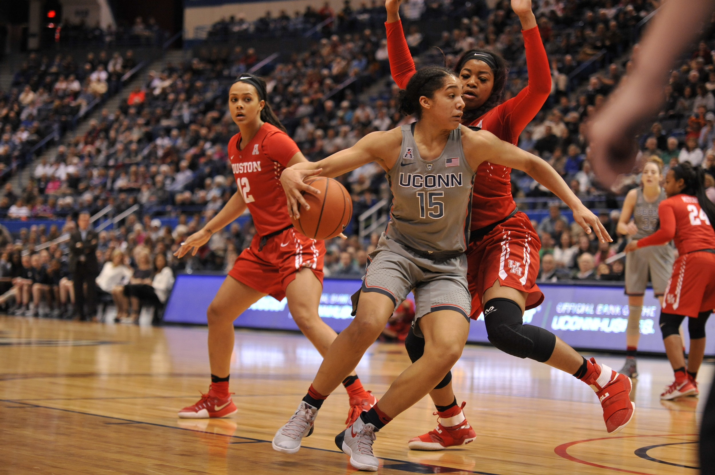 Gabby Williams posts up a Houston defender in the 91-42 win, in which she had 19 points. (Jason Jiang/The Daily Campus)