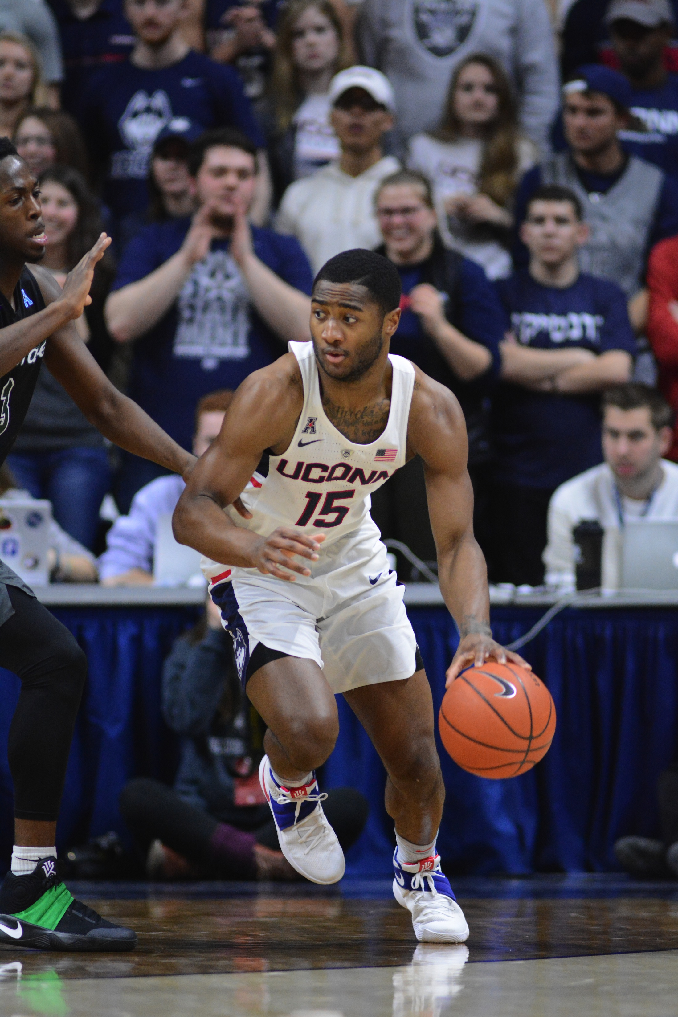 Rodney Purvis drives to the hoop in a January 28th, 2017 game against Tulane at Gampel Pavilion. (Jason Jiang/The Daily Campus)