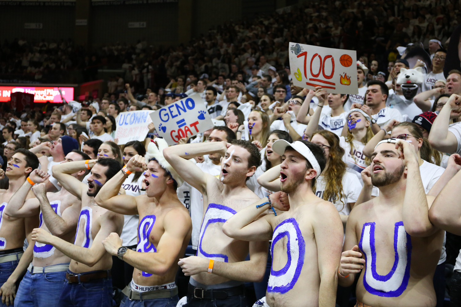 Geno Keeps It 100: Huskies win their 100th straight game.