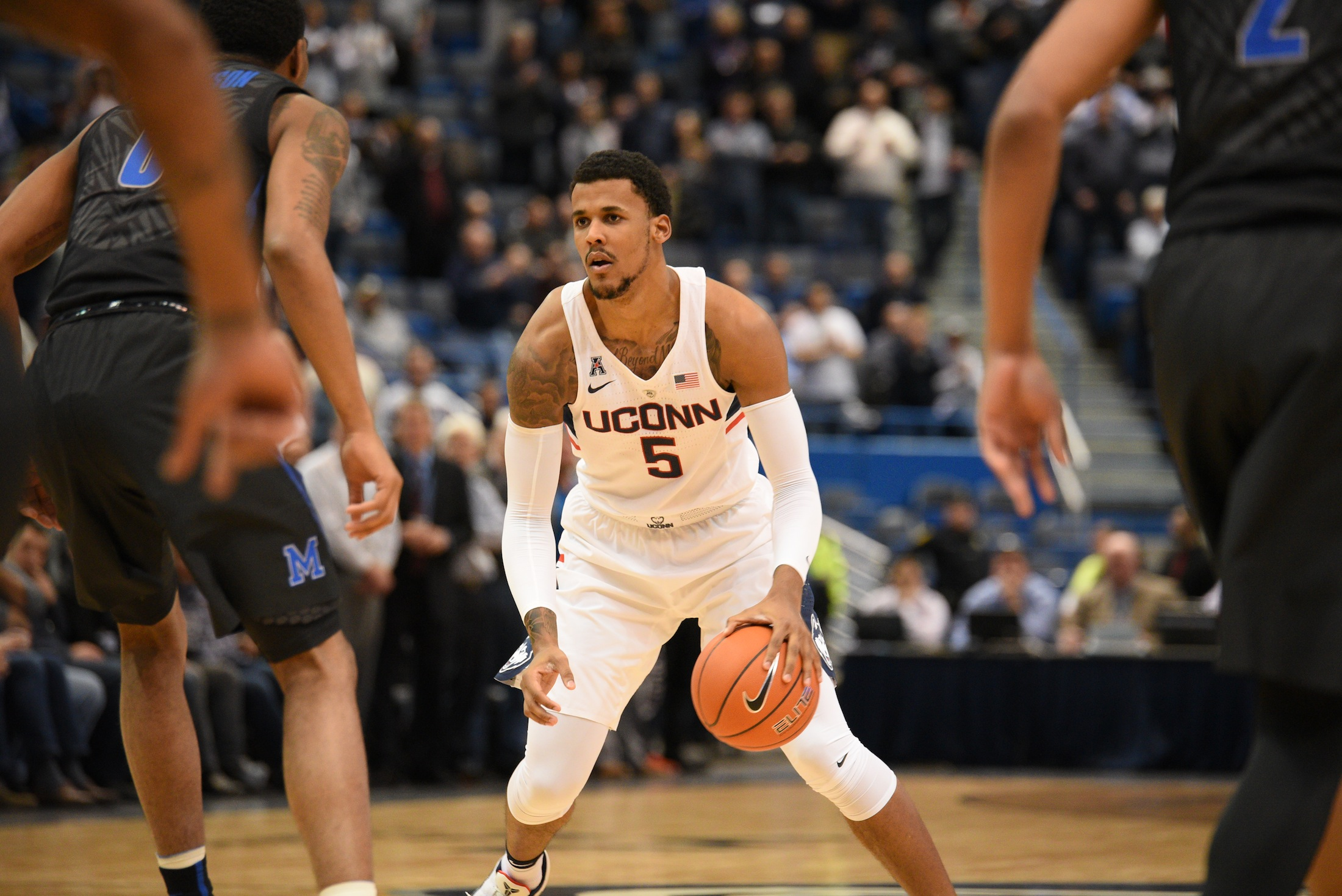UConn freshman Vance Jackson looks to pass against Memphis on February 16th at the XL Center in Hartford. (Zhelun Lang/The Daily Campus)