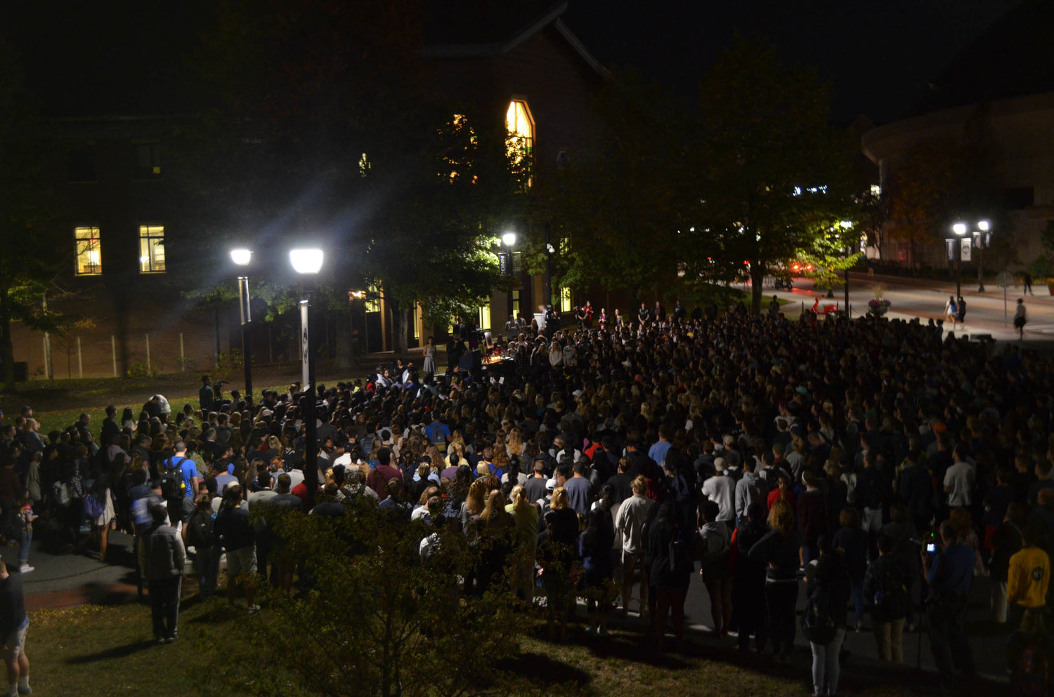 Hundreds of students gathered at Fairfield Way on Tuesday, October 18, in remembrance of Jeffny Pally, a sophomore allied health major who passed away over the weekend. (Akshara Thejaswi/The Daily Campus)