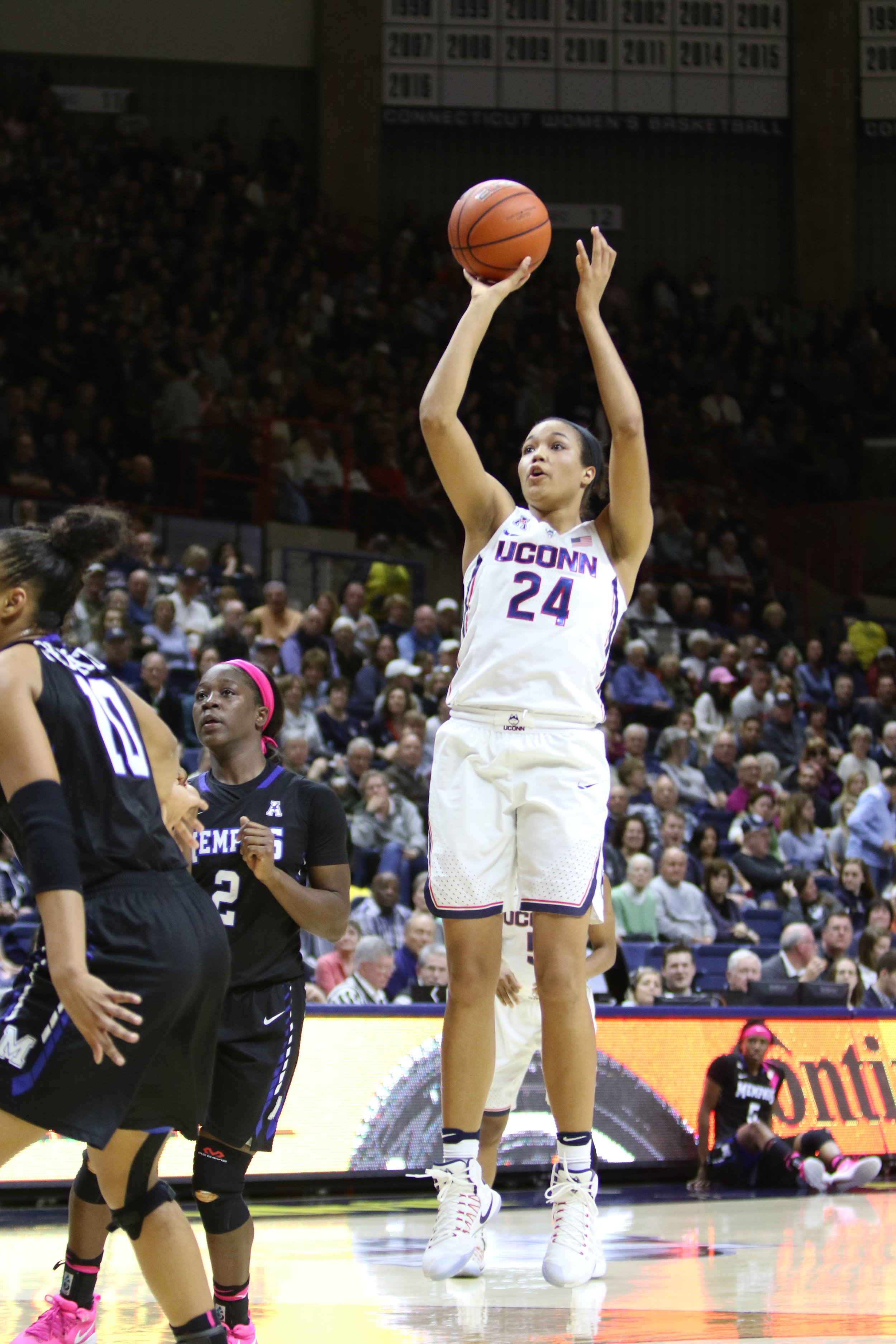 Napheesa Collier shoots a shot during the Huskies' 91-48 win over Memphis on Feb. 25, 2017. (Jackson Haigis/The Daily Campus)