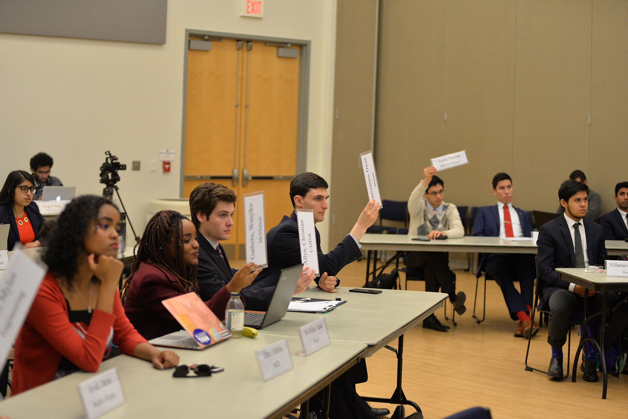 The Undergraduate student government meets in the SU ballroom for its weekly meeting on March 8, 2017. Items discussed included a motion to ask the Foundation to not invest in fossil fuels and a motion to add a temporary justice to fill in for Chief Justice Andrew Stern during hearings on the presidential race. Stern cannot serve on such hearings because he is involved in the proceedings. (Amar Batra/ The Daily Campus)
