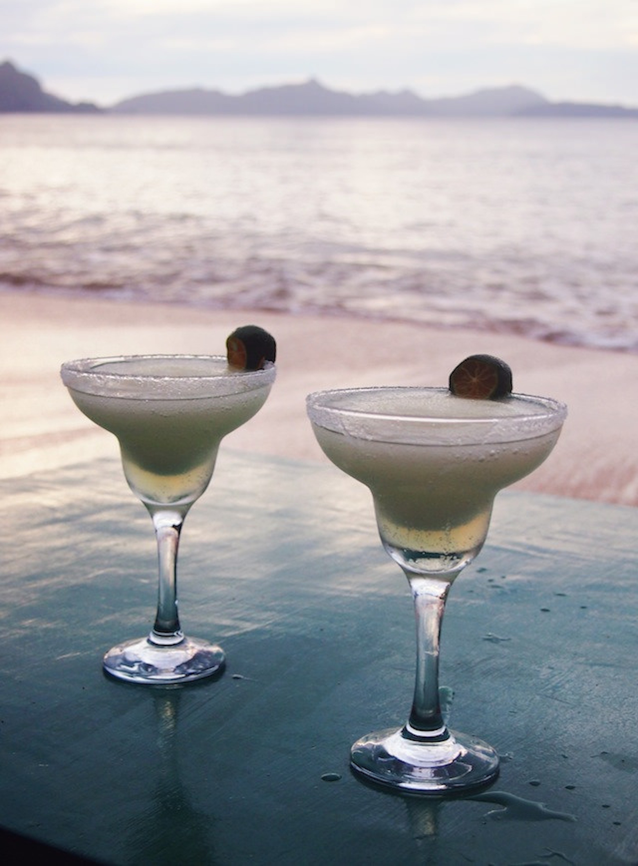Champagne margaritas on the beach. (currystrumpet/Flickr creative commons)