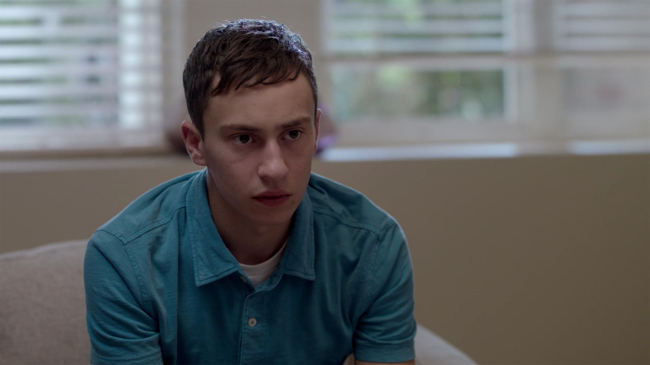 "Main character Sam Gardner played by Keir Gilchrist in Netflix's new show ""Atypical"". (Screenshot/Netflix)"