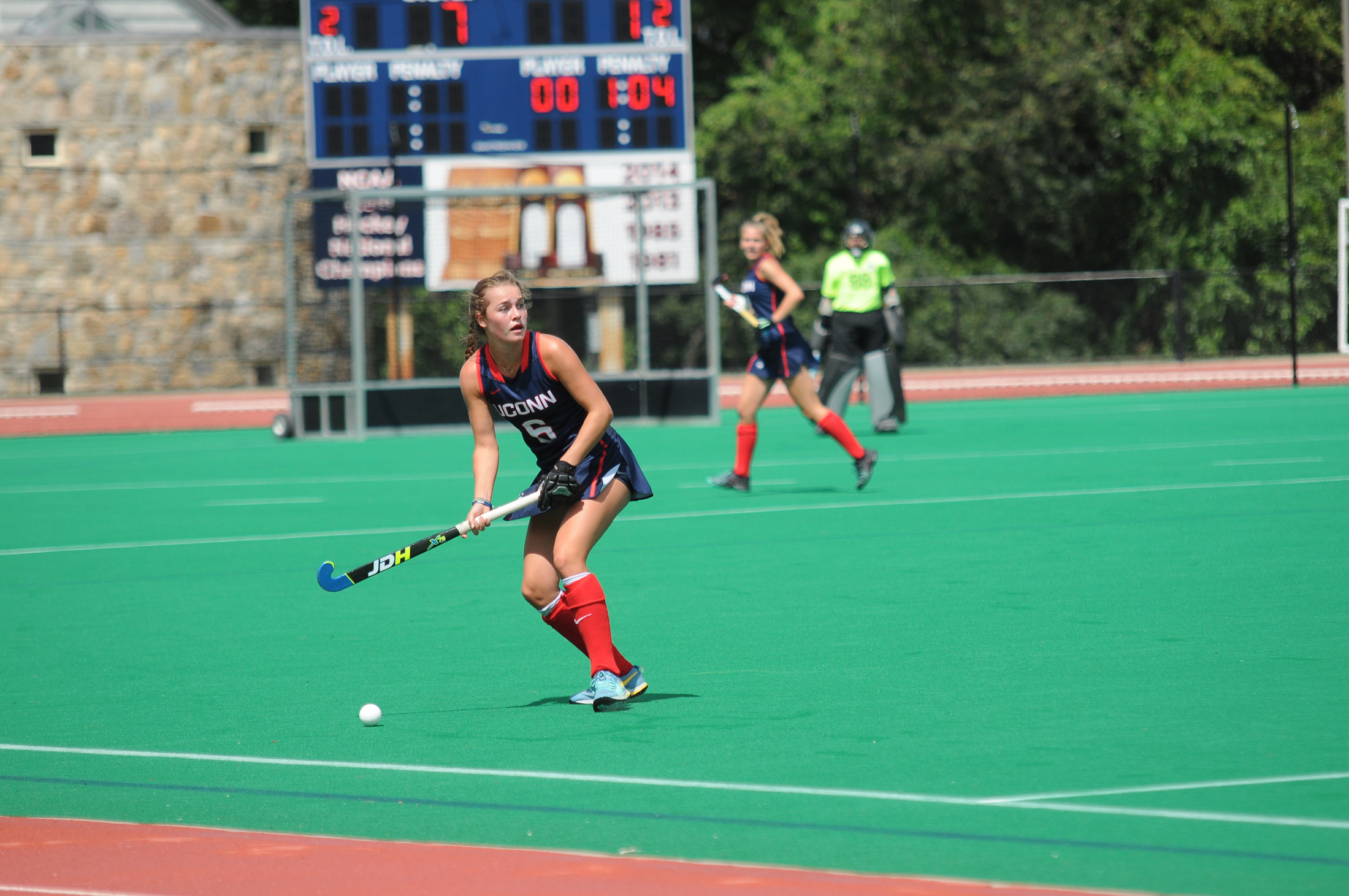 UConn midfielder Barbara van den Hoogen looks for a passing lane during the Huskies 7-0 victory over Northwestern on Sunday, Aug. 27, 2017. (Olivia Stenger/The Daily Campus)
