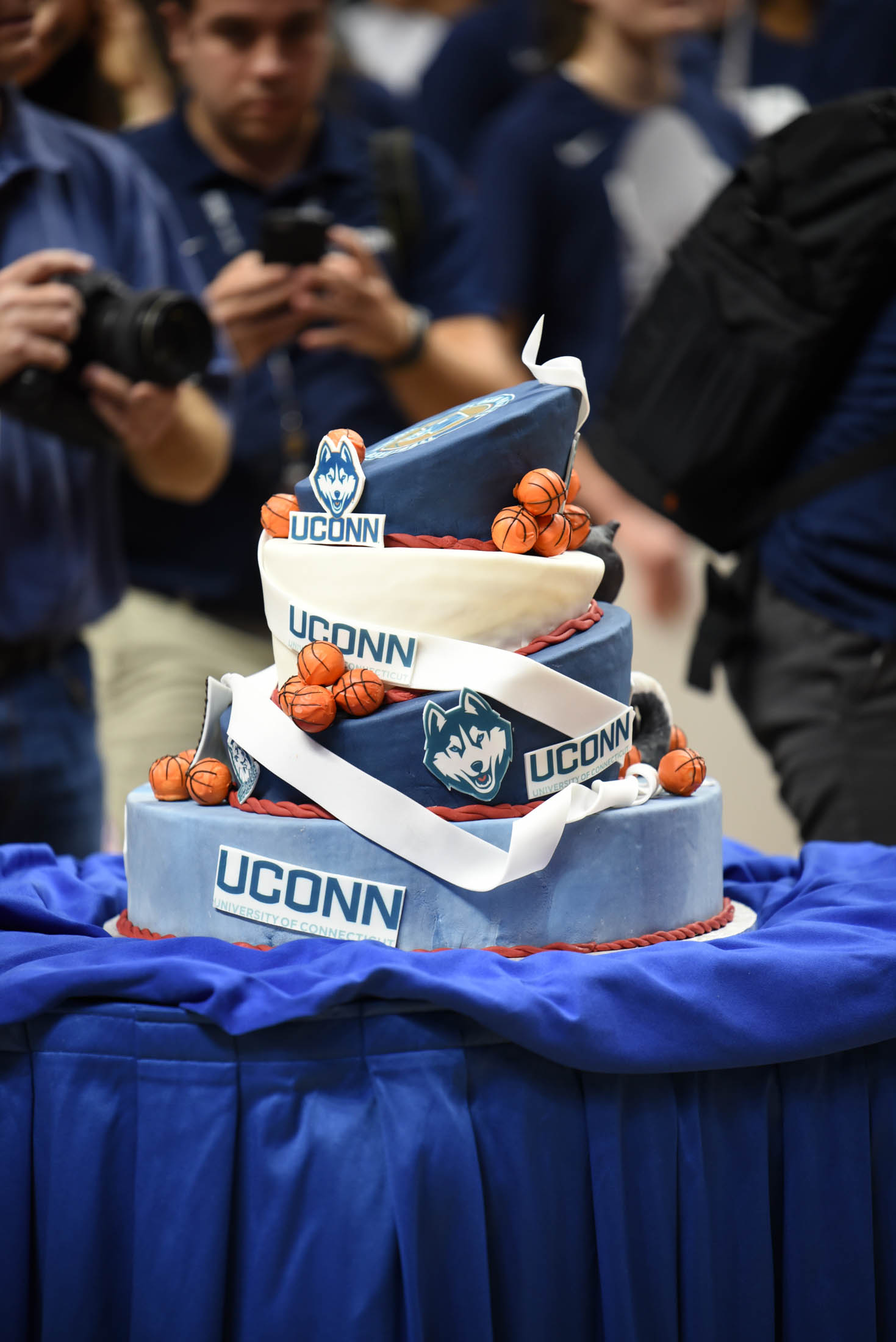 The ceremony included a UConn decorated cake. (Charlotte Lao/The Daily Campus)