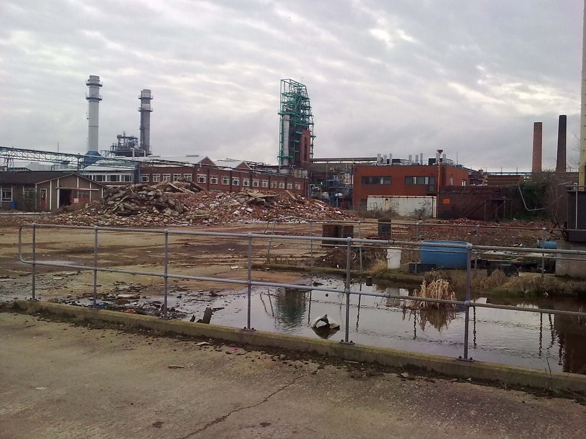 Brownfield sites are locations where remnants of toxic chemicals and industrial waste prevent the area from being used. (Engineering at Cambridge/Creative Commons)