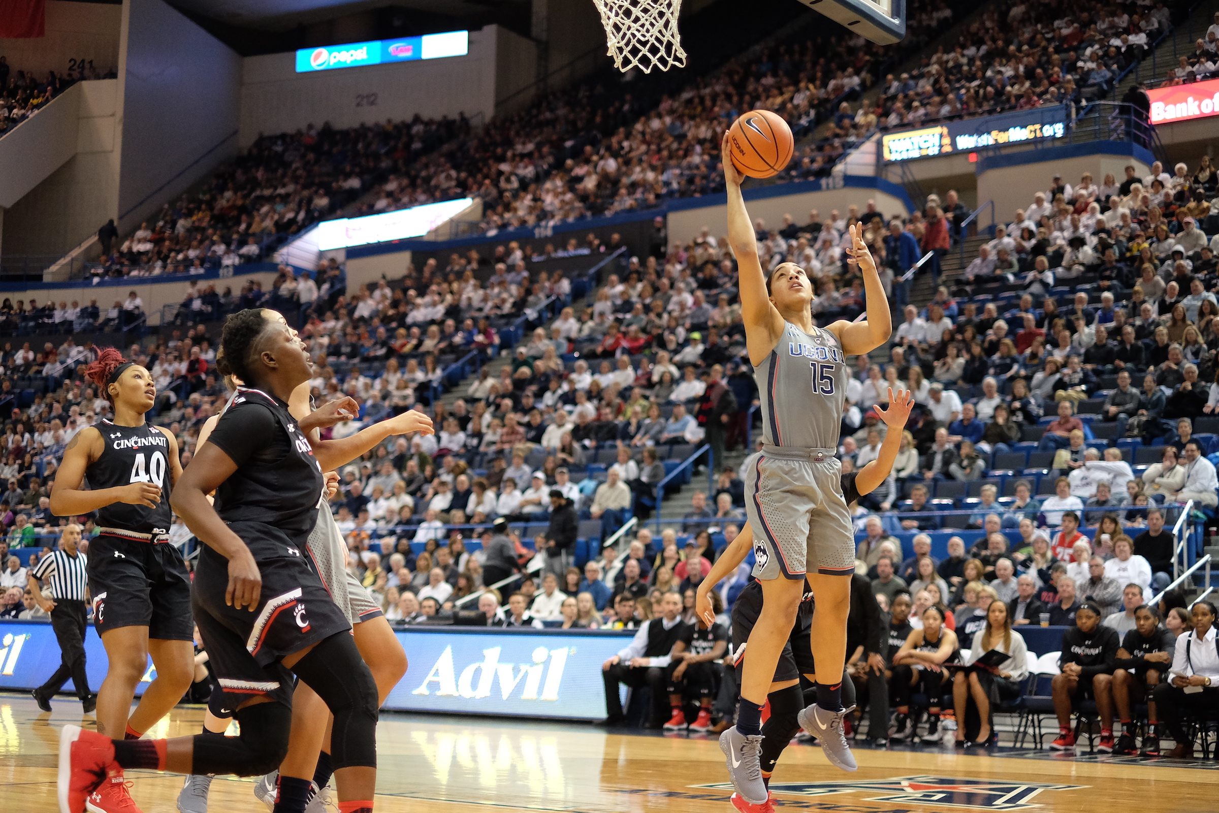 UConn squares up and takes on Cincinnati in basketball on Sunday, Feb. 4. The Huskies took a commanding lead in the tail end of the first half, leading to a 106-65 victory. (John Sammis/The Daily Campus)
