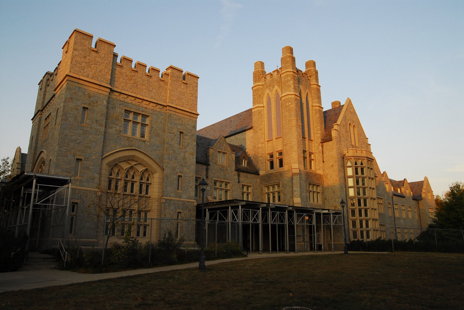 UConn Law is offering free legal consultation services to help DACA recipients and immigrants who have been detained or are seeking asylum. (File Photo/The Daily Campus)