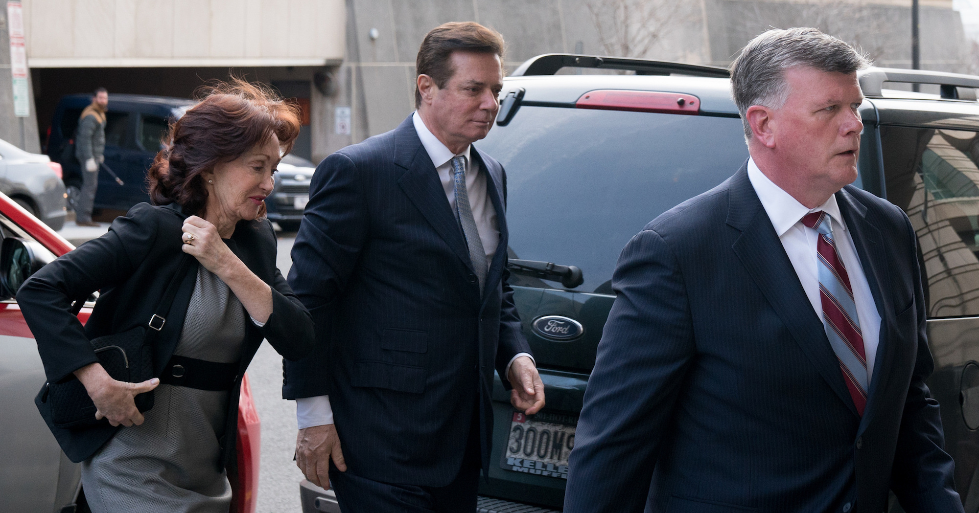 Paul Manafort, his wife, and his lawyer Kevin Downing arriving at court for a status update hearing on February 14th. (Victoria Pickering/Creative Commons)