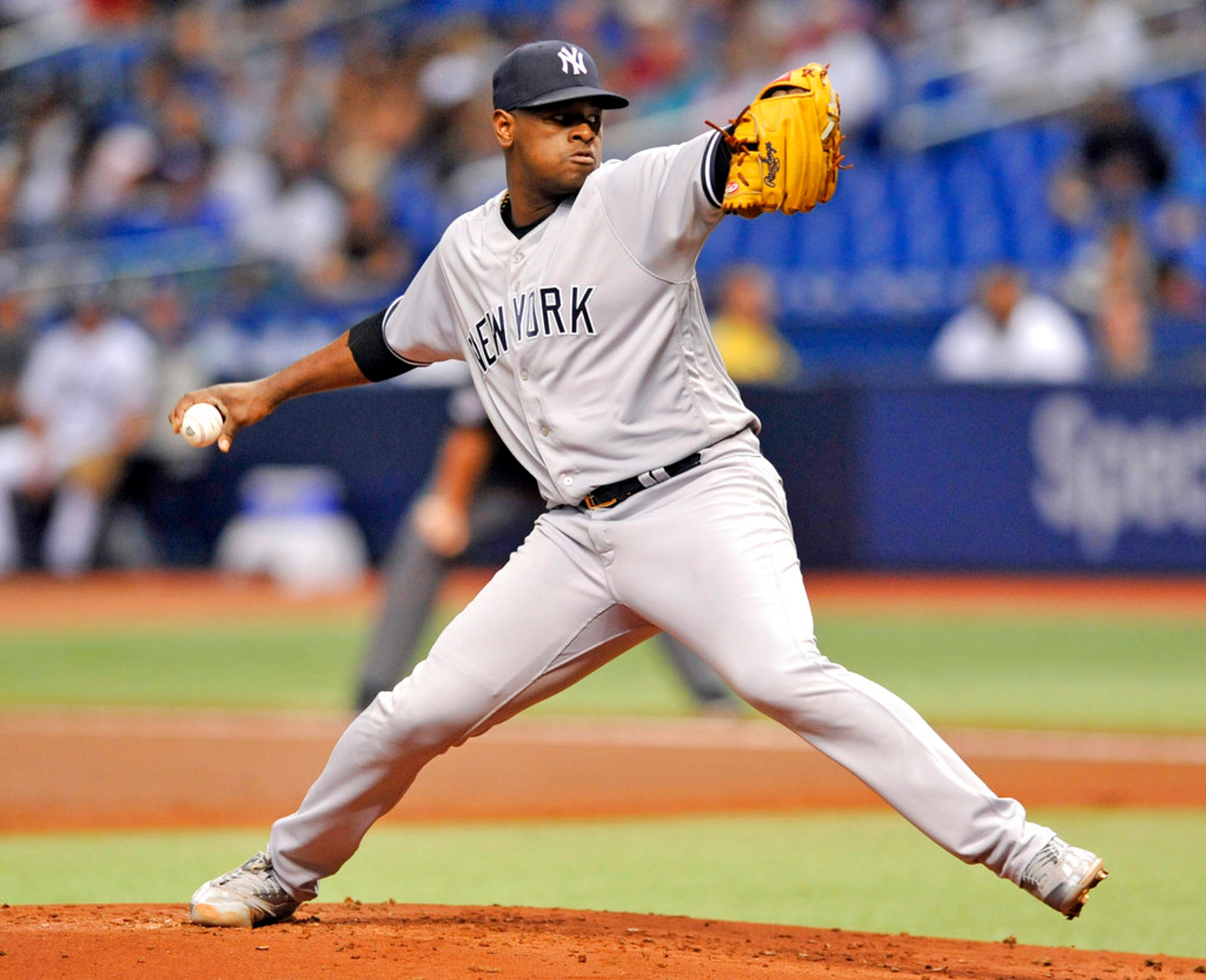 New York Yankees starter Luis Severino pitches against the Tampa Bay Rays during the first inning of a baseball game Tuesday, Sept. 25, 2018, in St. Petersburg, Fla. (AP Photo/Steve Nesius)