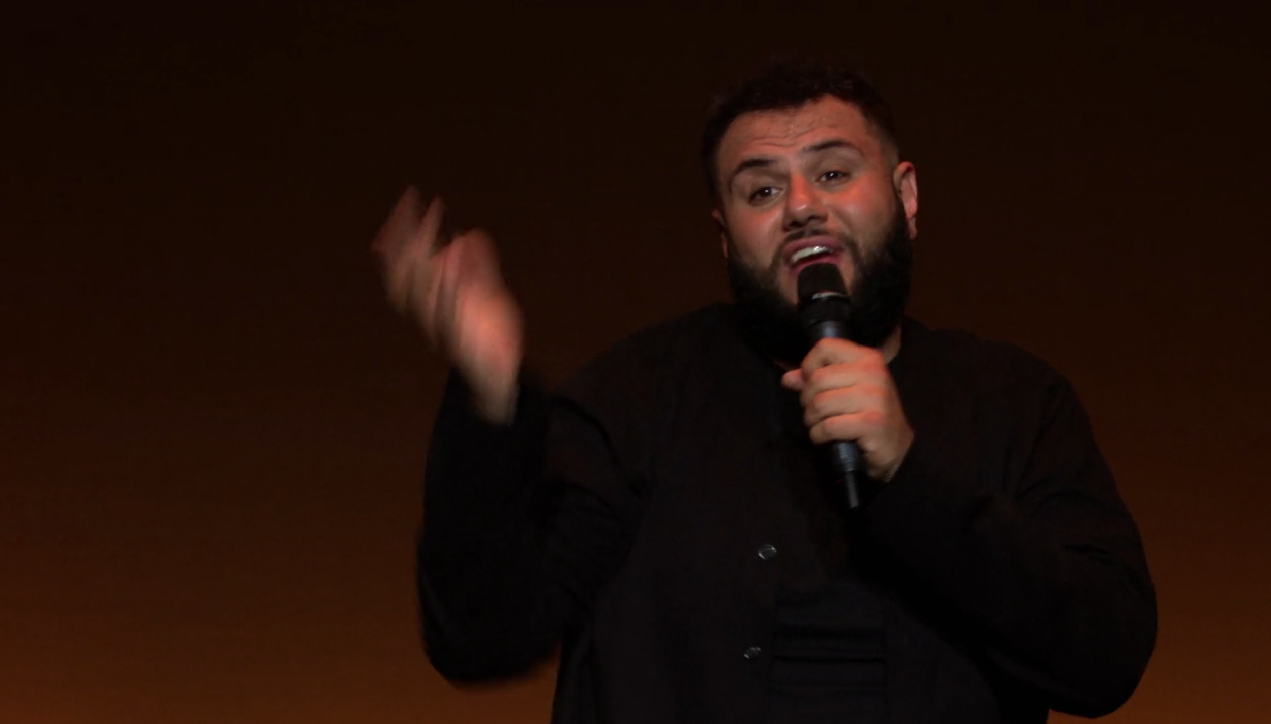 """Amer's debut Netflix special """"The Vagabond"""" delves into the comic's experiences surrounding our administration and more in a surprisingly lighthearted and hilarious manner. (screenshot/Netflix)"""