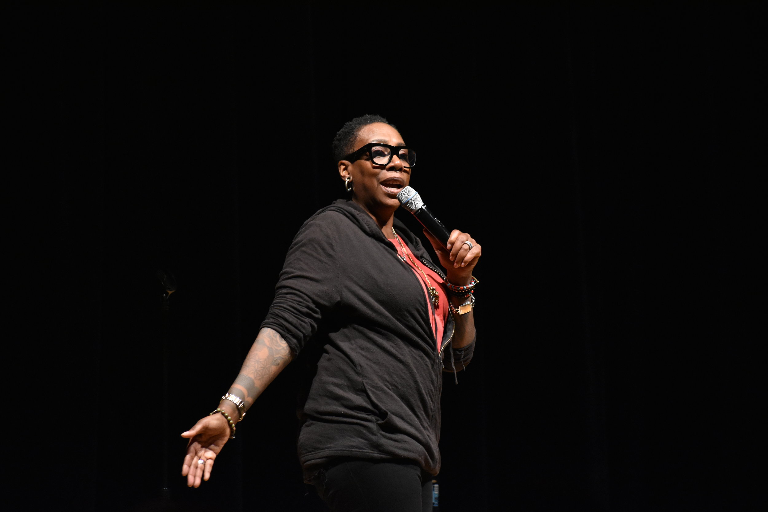 Gina Yashere from Netflix comes to the Student Union Theatre. Her material touched upon topics of race and religion. (Brandon Barzola/The Daily Campus)