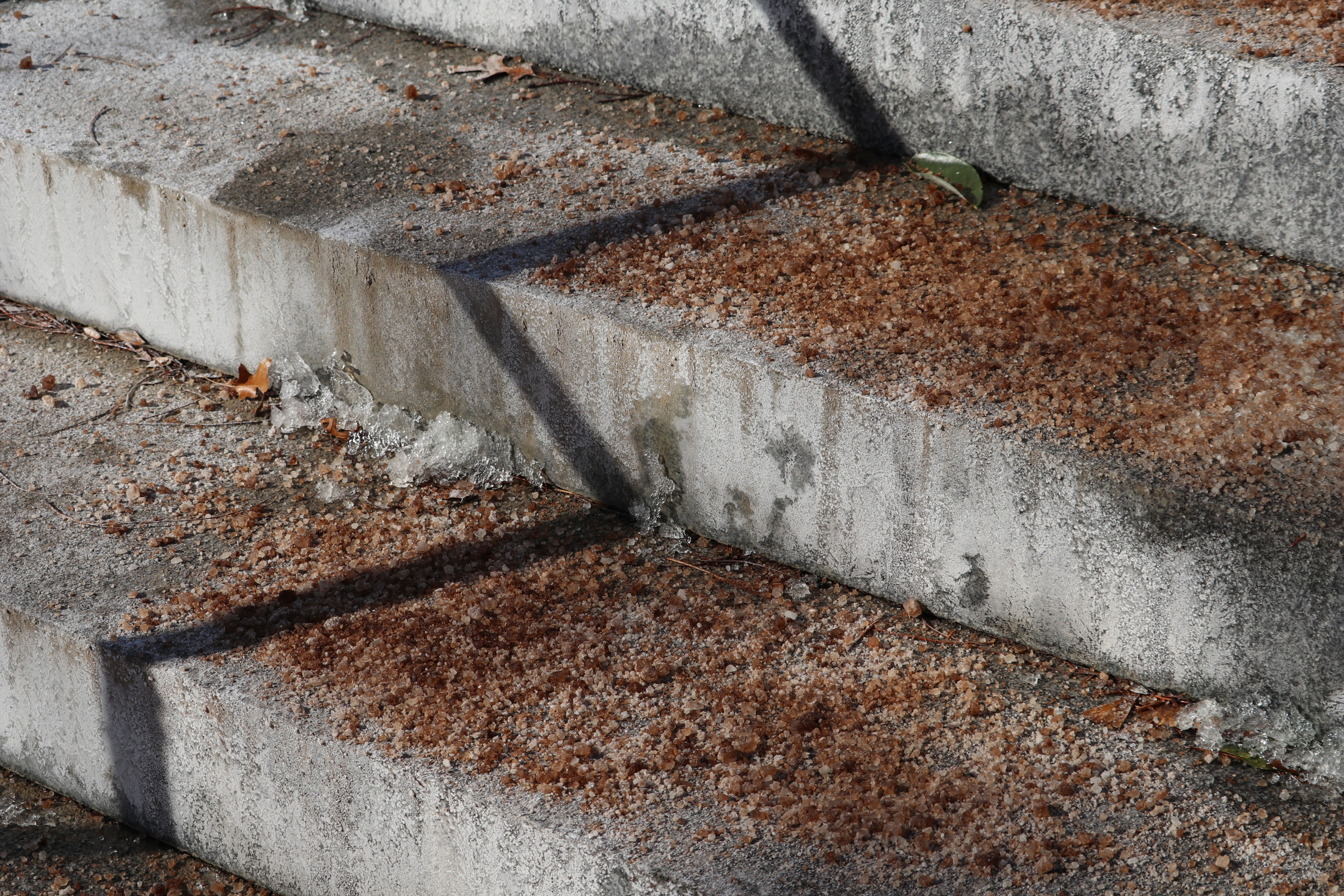 On January 22, 2019, roadways, stairs, and sidewalks across campus are covered in ice-melting salt to prevent slippery surfaces after Sunday's winter storm (Judah Shingleton/The Daily Campus)