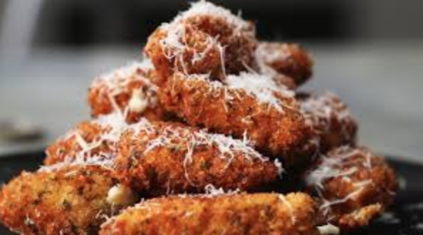 Chicken parmesan bites are an easy dish that involve crispy chicken, marinara sauce and lots of cheese. (screenshot/tasty.co)