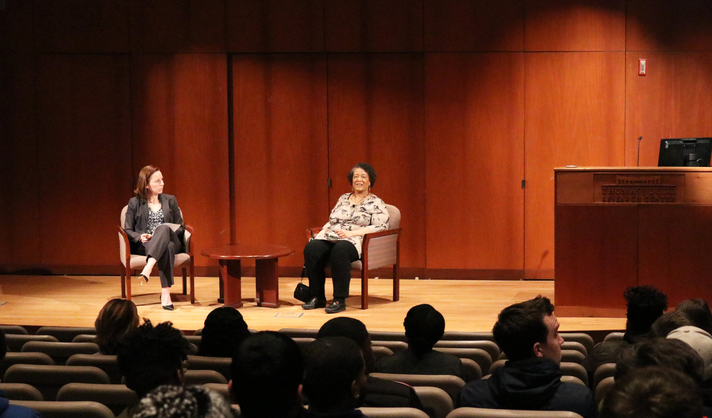 """In a """"Beyond the Field"""" series lecture, Claire Smith talks about her experiences as the first female Major League Baseball beat writer. (Maggie Chafouleas/The Daily Campus)"""