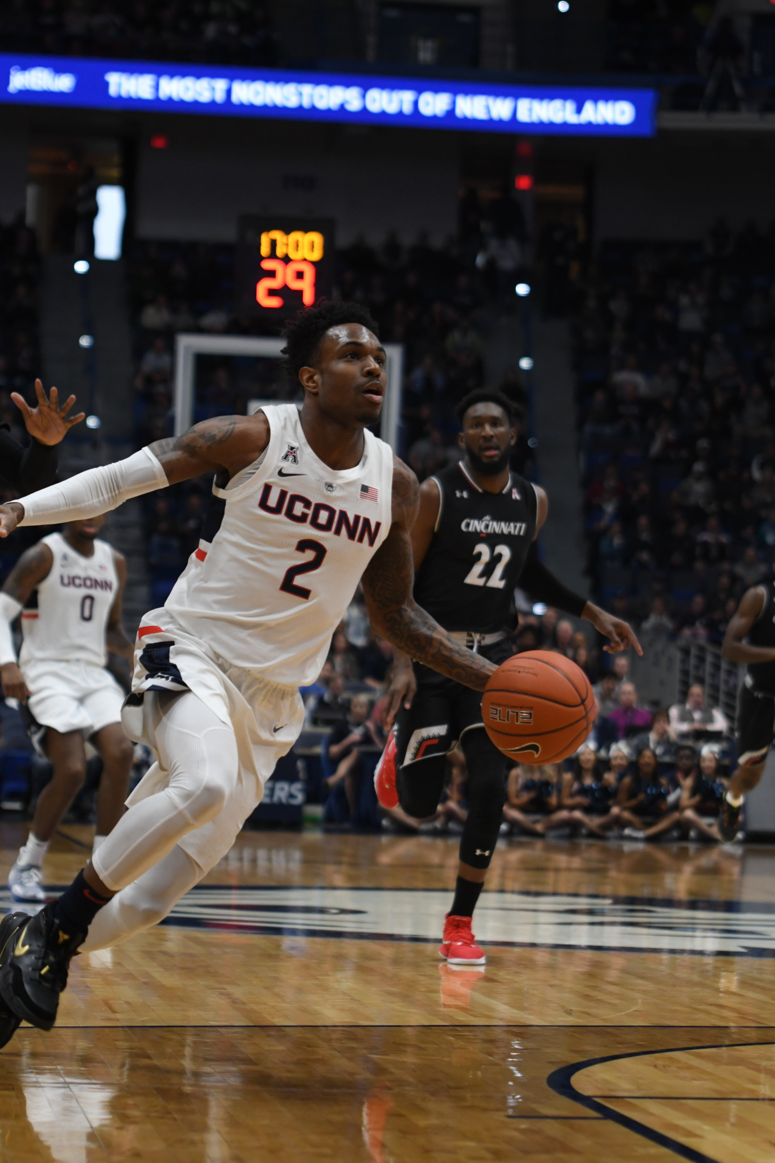 The UConn Huskies mens basketball team battles the Cincinnati Bearcats down to the final seconds of a game at the XL Center in Hartford, Connecticut. The game resulted in a 64-60 loss for the Huskies. (Photo by Judah Shingleton/The Daily Campus)