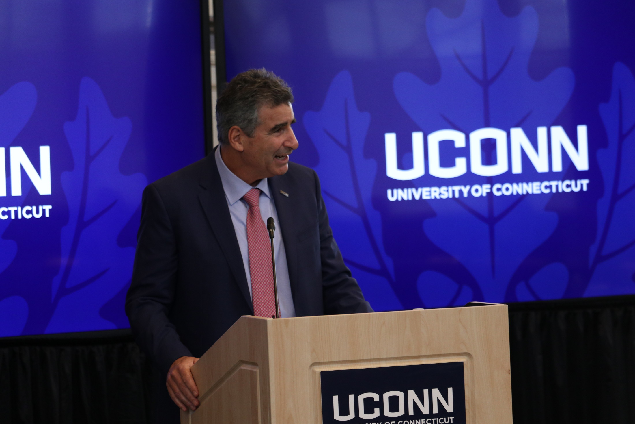 New UConn president Thomas Katsouleas takes the podium at an event earlier this semester (Judah Shingleton/The Daily Campus)