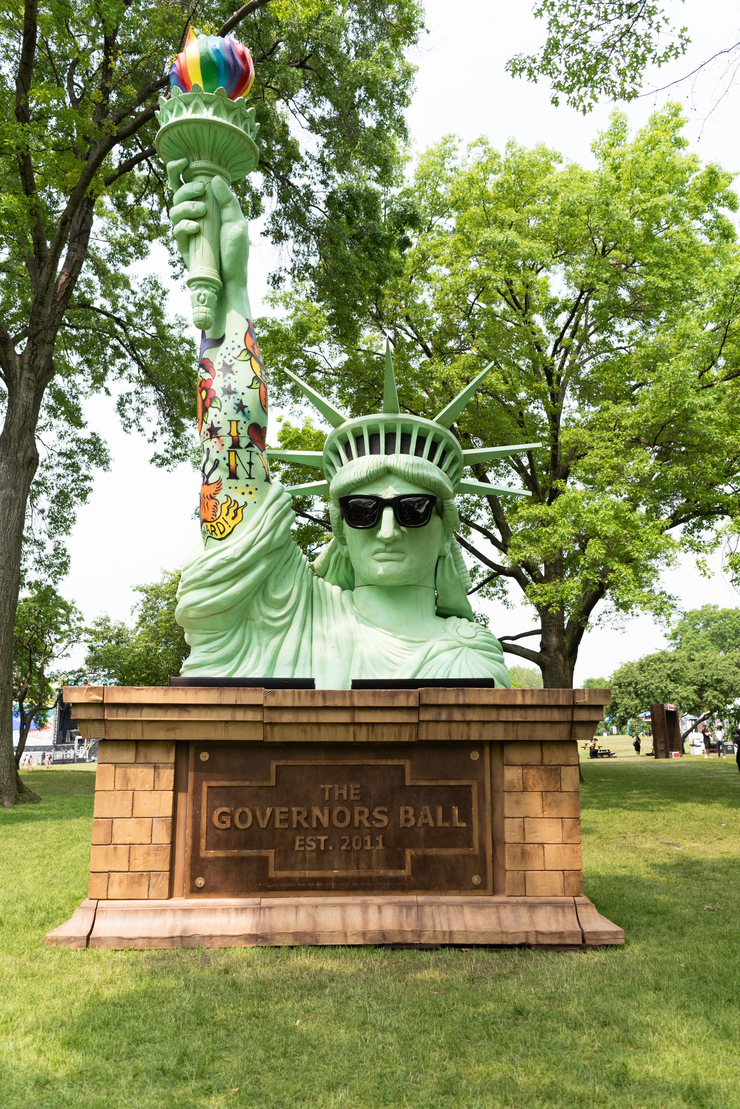 Visitors to the festival are greeted by a stylized version of Lady Liberty. (Photo courtesy Charlotte Lao/The Daily Campus)