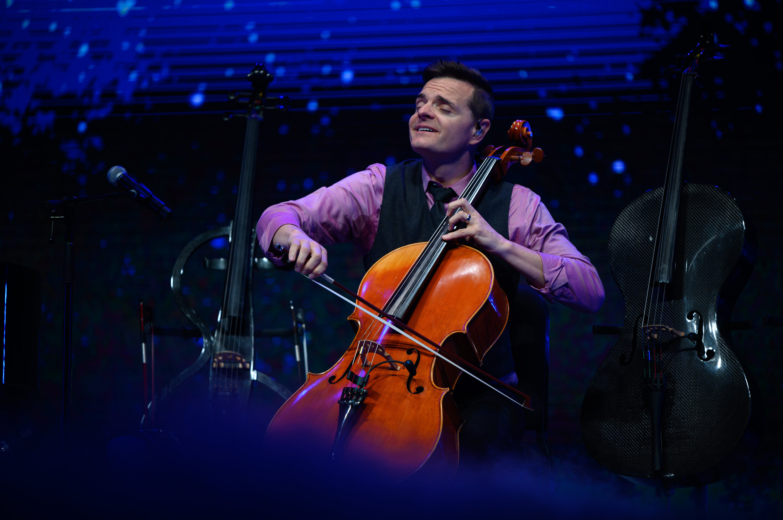 Steve Nelson plays the cello in The Piano Guys.   Photo by Charlotte Lao, Photo Editor/The Daily Campus