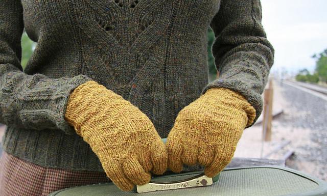 Bonnie Gloves.jpg