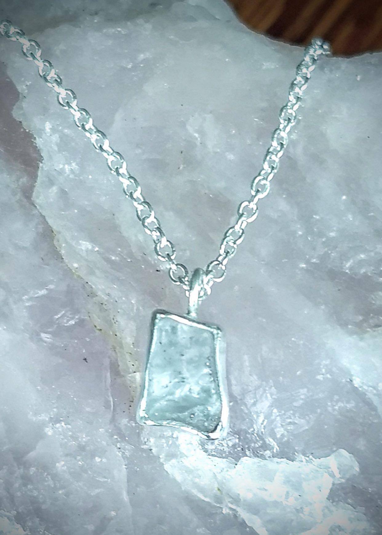 Sapphire pendant by Roni Downey   Value $200.-  Starting Bid $100.-