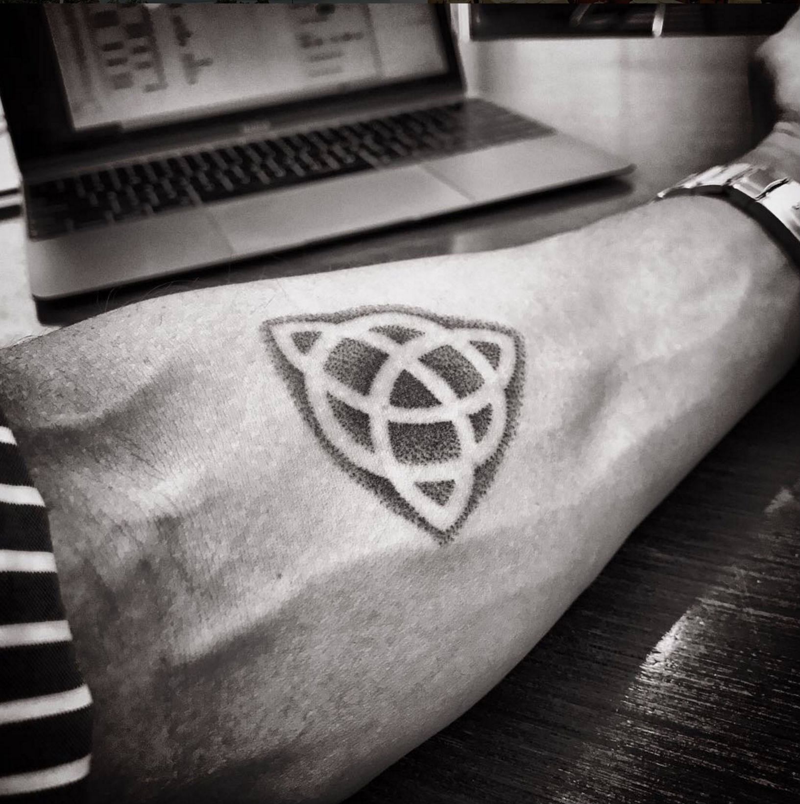 entintado tatooo.jpg