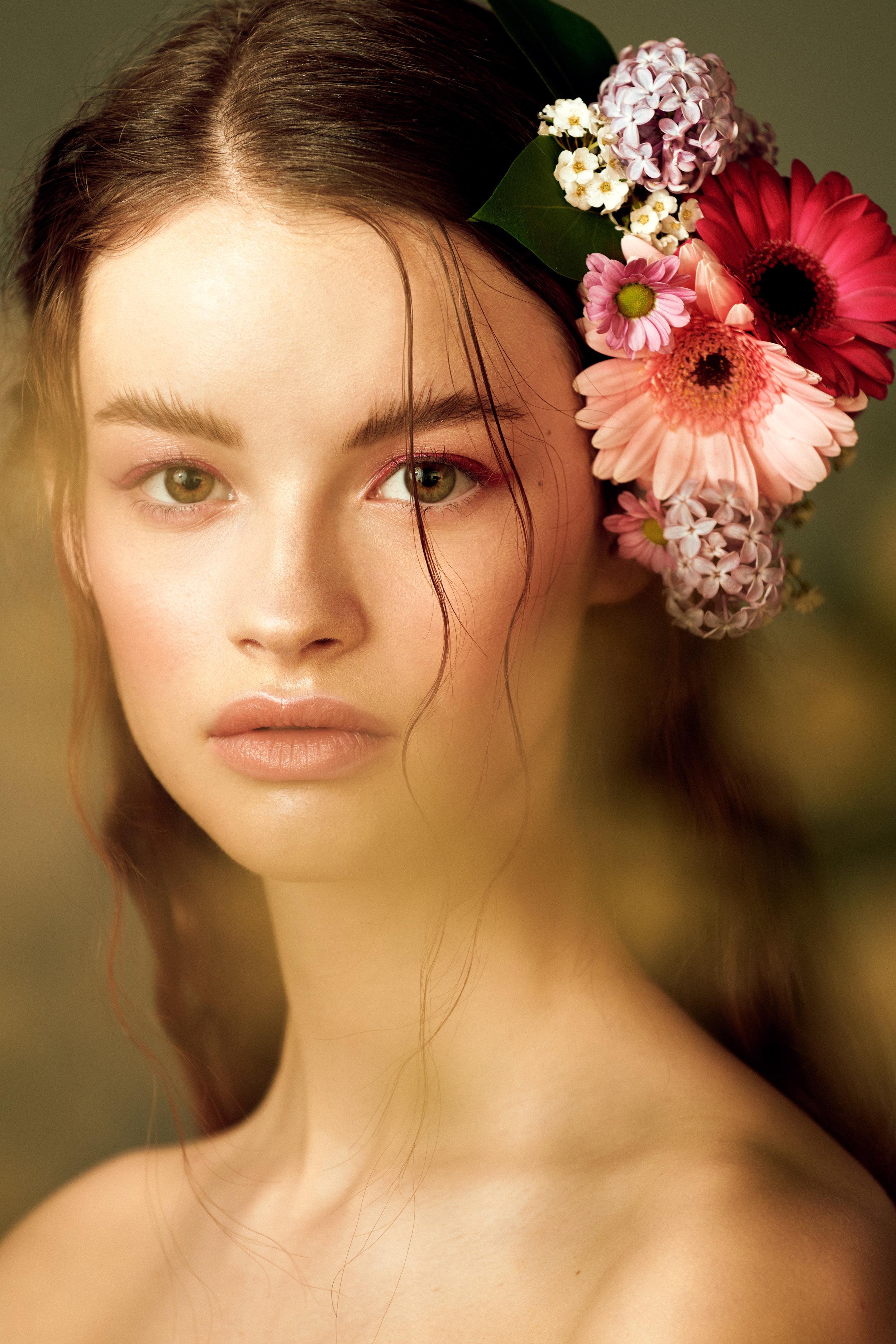 Eva, Flowers0289 1.jpg