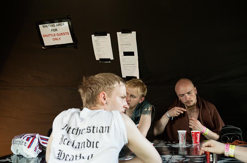 Wacken Metal Battle 2012: Waiting for the shuttle bus. Photo: © Eija Mäkivuoti.